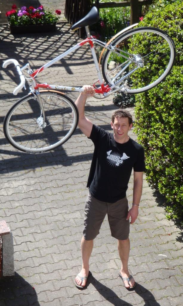Das Bike ist fertig; glücklich